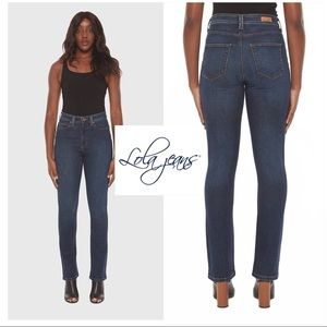 NWT Lola High Rise Straight Jeans